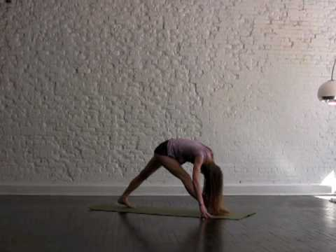 Weight Loss Yoga Challenge: Fat Burn.